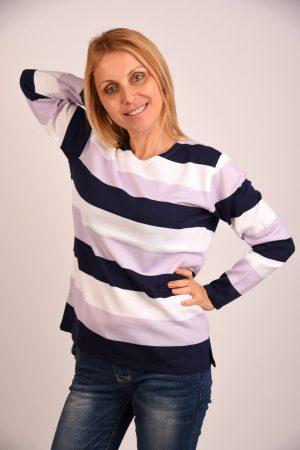 Блуза в тъмно синьо и бяло